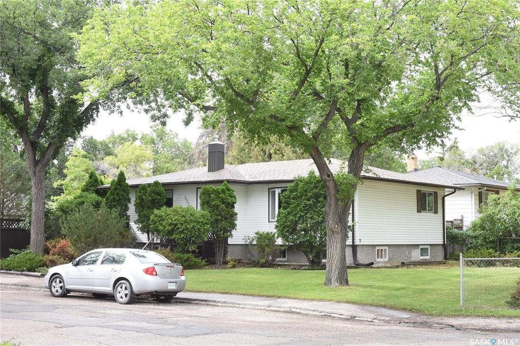 Main Photo: 5300 3rd Avenue in Regina: Rosemont Residential for sale : MLS®# SK817996