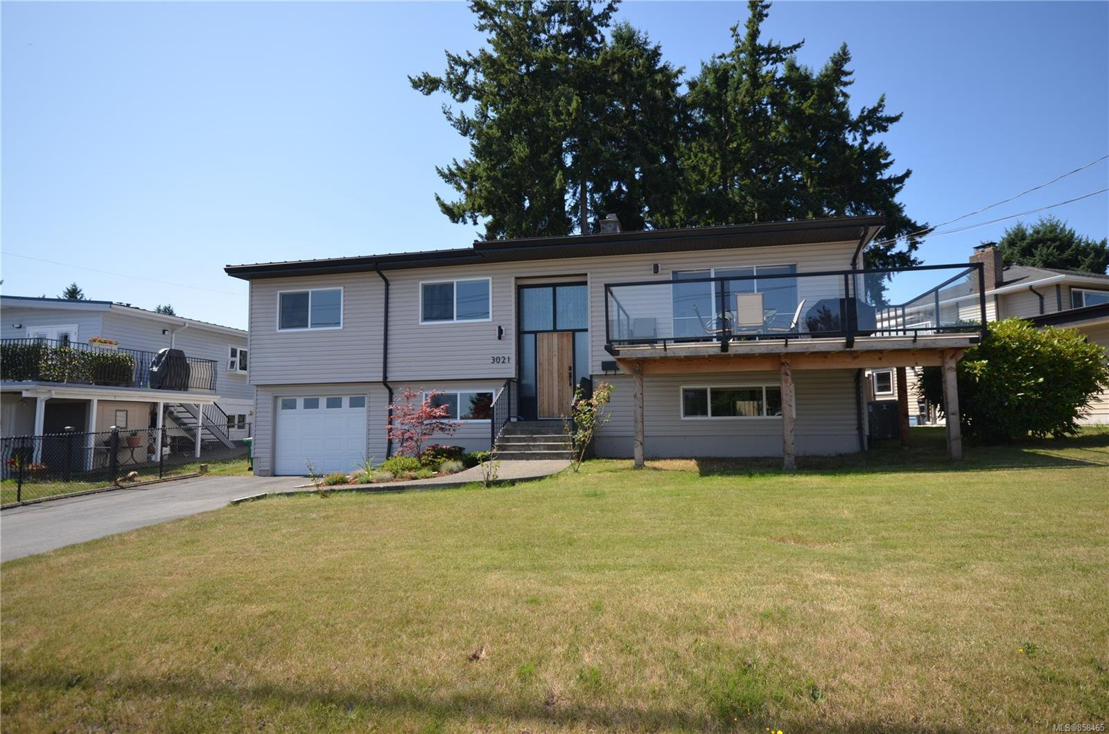 Main Photo: 3021 Glen Eagle Cres in : Na Departure Bay House for sale (Nanaimo)  : MLS®# 858465