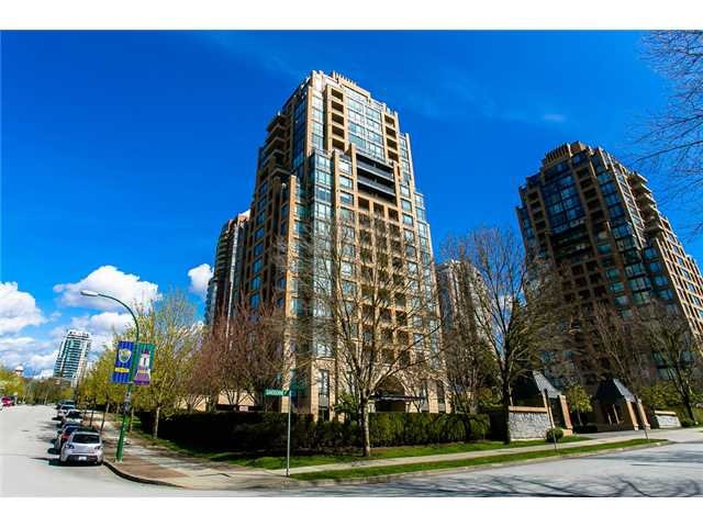 """Main Photo: 1804 7368 SANDBORNE Avenue in Burnaby: South Slope Condo for sale in """"MAYFAIR PLACE"""" (Burnaby South)  : MLS®# R2396686"""