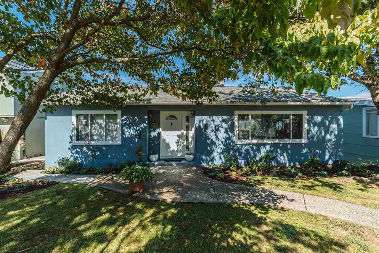 Main Photo: 3941 YALE Street in Burnaby: Vancouver Heights House for sale (Burnaby North)  : MLS®# R2401125