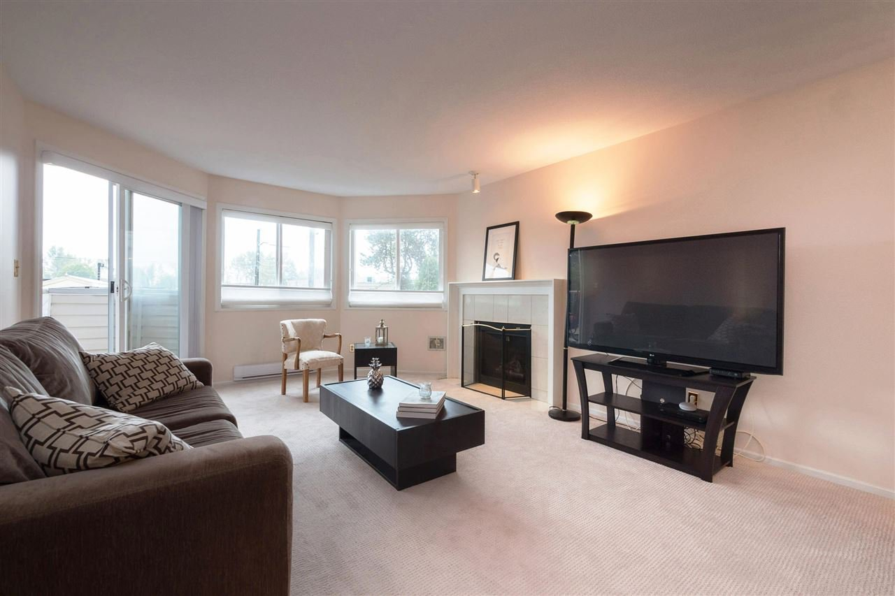 "Main Photo: 107 11963 223 Street in Maple Ridge: West Central Condo for sale in ""THE DORCHESTERS"" : MLS®# R2409606"