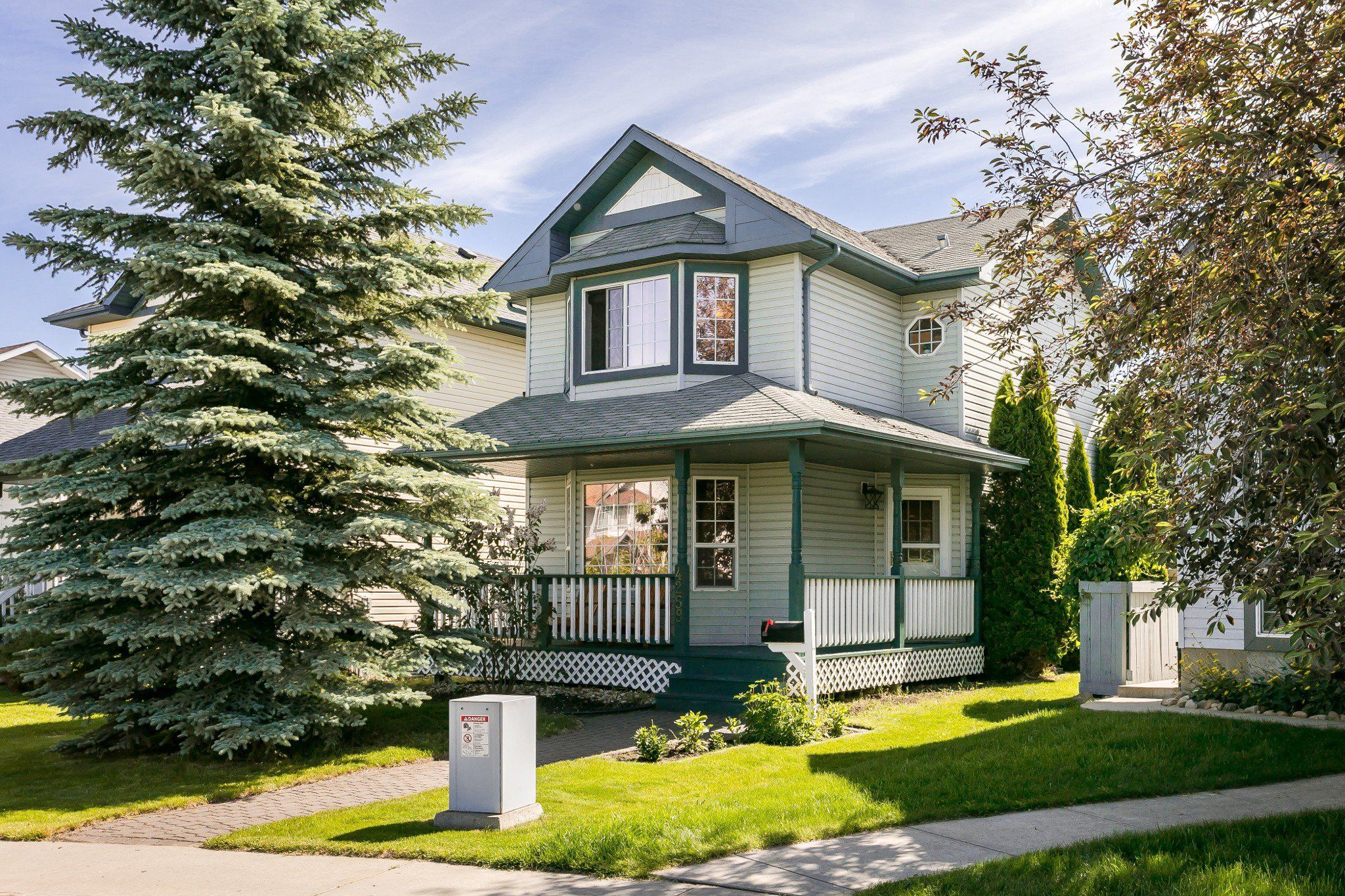 Main Photo: 4259 23St in Edmonton: Larkspur House for sale : MLS®# E4203591