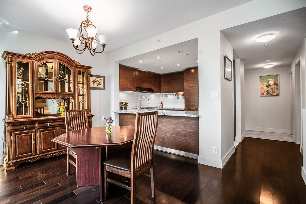 "Photo 8: Photos: 112 5958 IONA Drive in Vancouver: University VW Townhouse for sale in ""ARGYLL HOUSE EAST"" (Vancouver West)  : MLS®# R2388432"