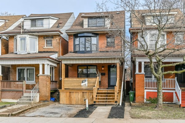 Main Photo: 140 North Grosvenor Avenue in Hamilton: House for sale