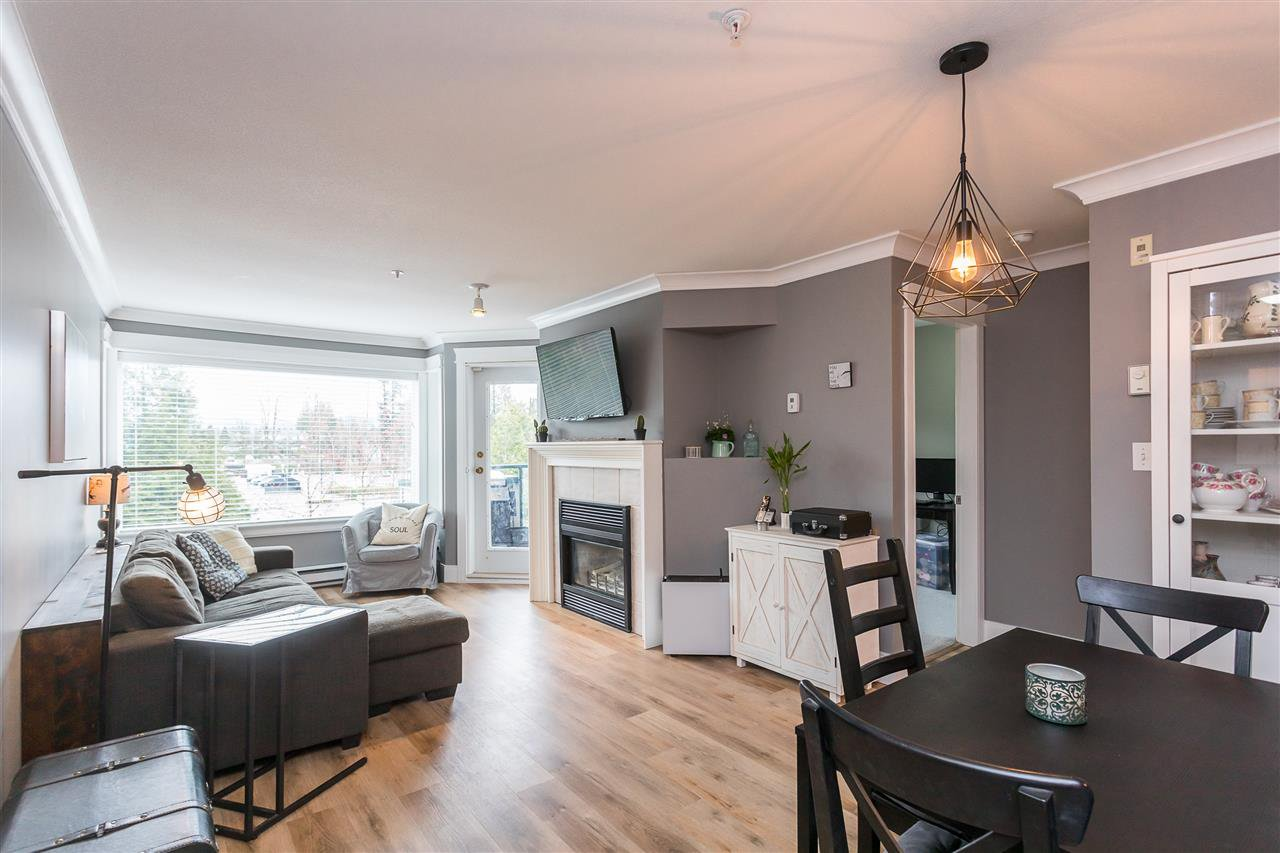 """Photo 9: Photos: 306 33718 KING Road in Abbotsford: Central Abbotsford Condo for sale in """"College Park Place"""" : MLS®# R2447601"""