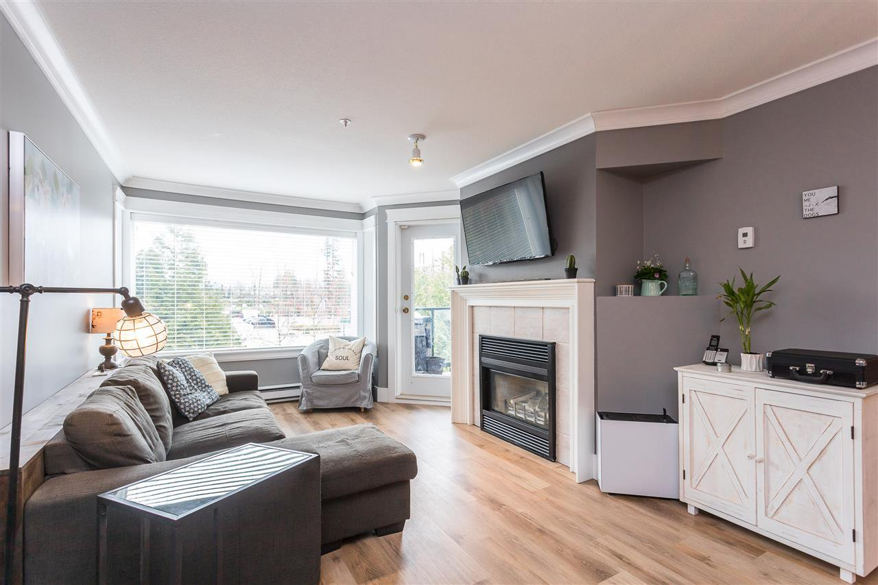 """Photo 10: Photos: 306 33718 KING Road in Abbotsford: Central Abbotsford Condo for sale in """"College Park Place"""" : MLS®# R2447601"""