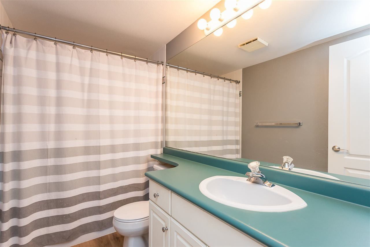 """Photo 8: Photos: 306 33718 KING Road in Abbotsford: Central Abbotsford Condo for sale in """"College Park Place"""" : MLS®# R2447601"""