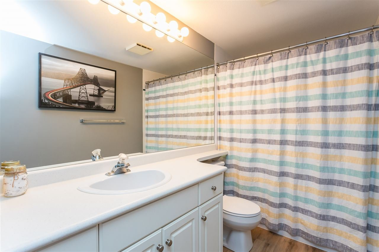 """Photo 16: Photos: 306 33718 KING Road in Abbotsford: Central Abbotsford Condo for sale in """"College Park Place"""" : MLS®# R2447601"""