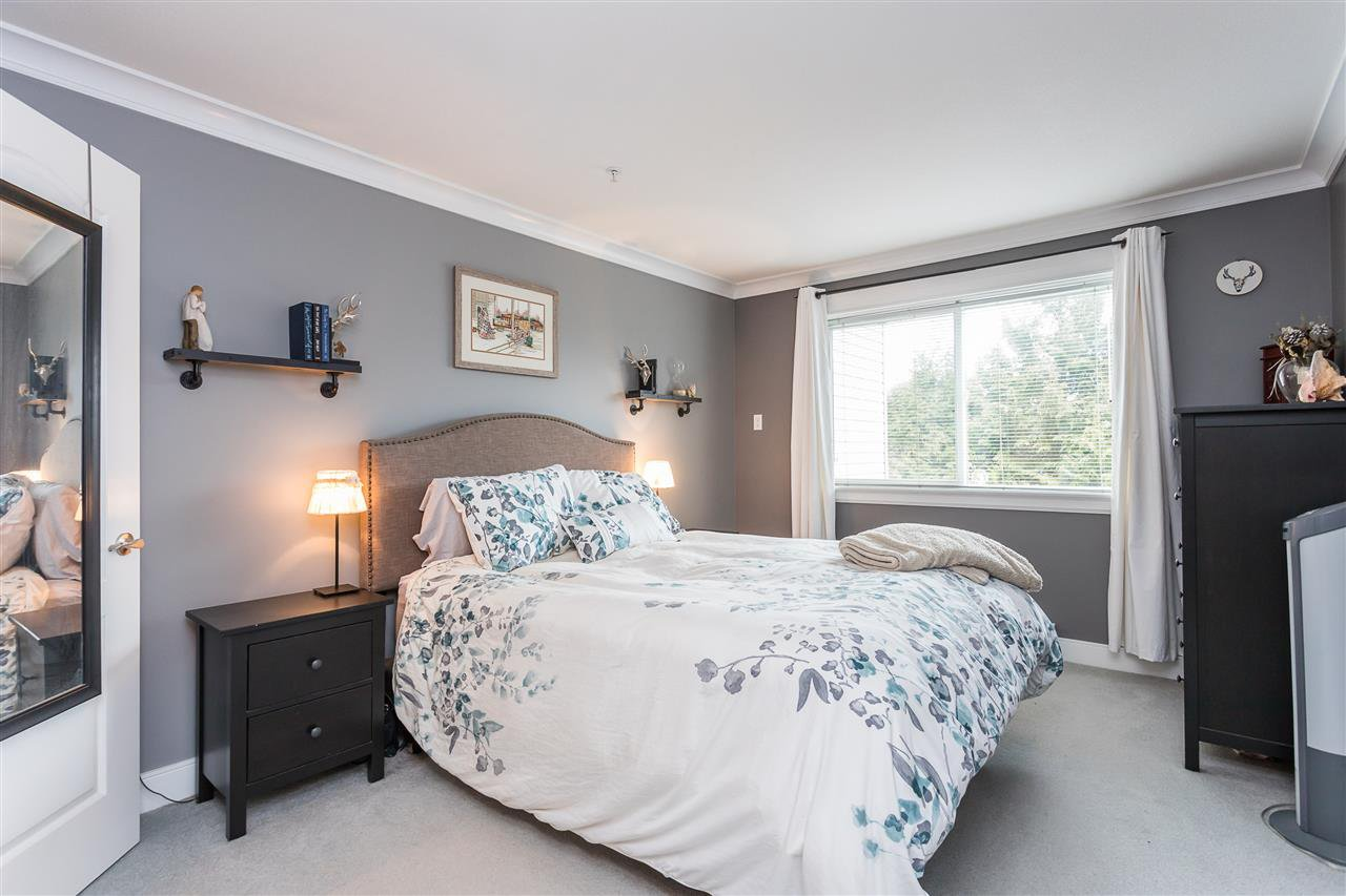 """Photo 6: Photos: 306 33718 KING Road in Abbotsford: Central Abbotsford Condo for sale in """"College Park Place"""" : MLS®# R2447601"""