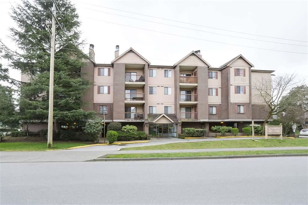 """Main Photo: 329 8500 ACKROYD Road in Richmond: Brighouse Condo for sale in """"WESTHAMPTON COURT"""" : MLS®# R2450299"""