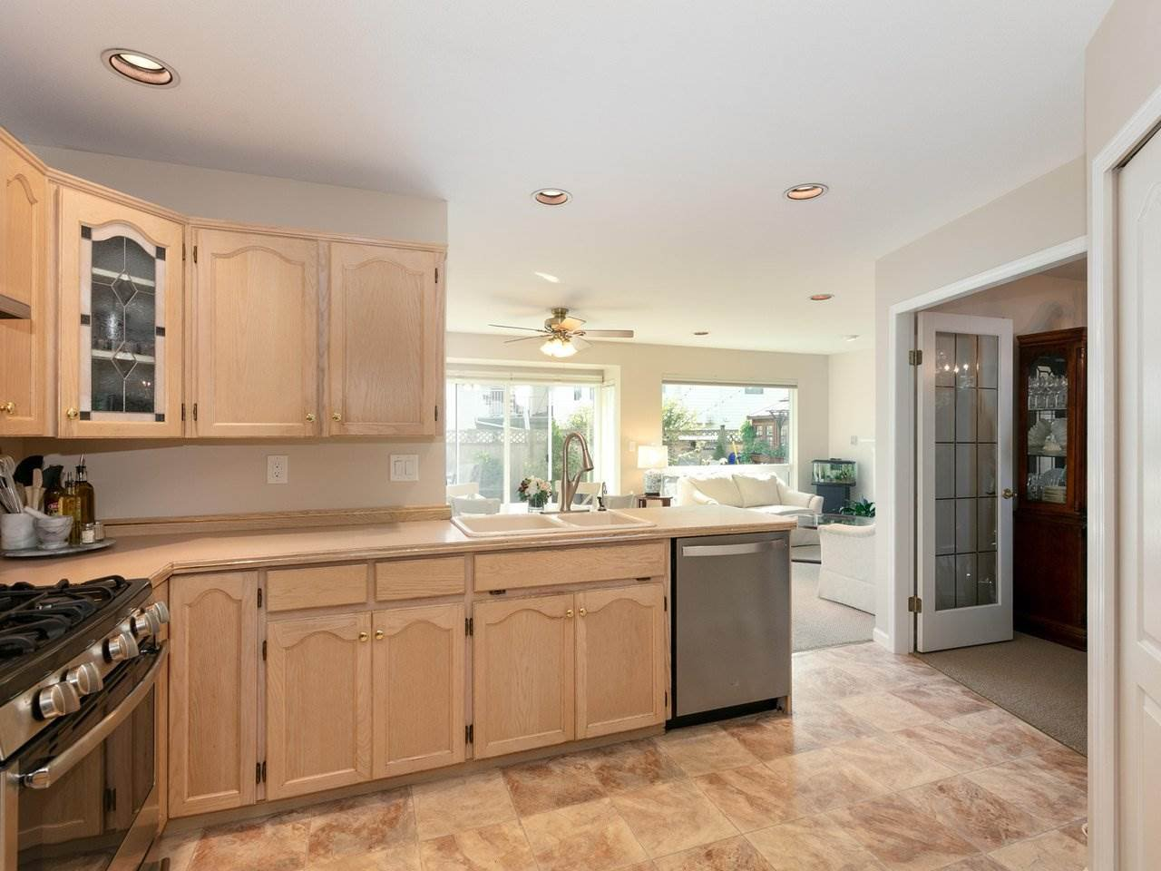 Photo 9: Photos: 19645 SOMERSET Drive in Pitt Meadows: Mid Meadows House for sale : MLS®# R2505880