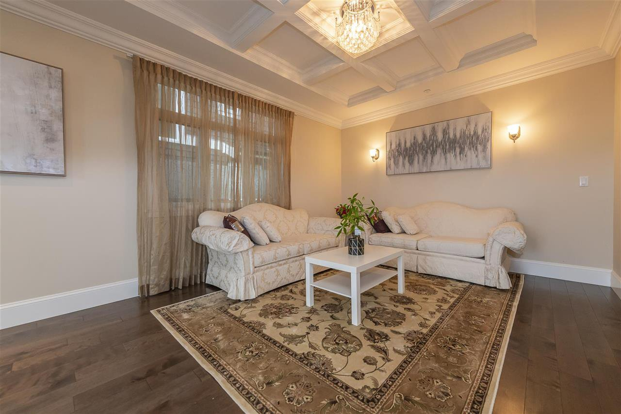 Photo 9: Photos: 1471 MATHERS AVENUE in West Vancouver: Ambleside House for sale : MLS®# R2413830
