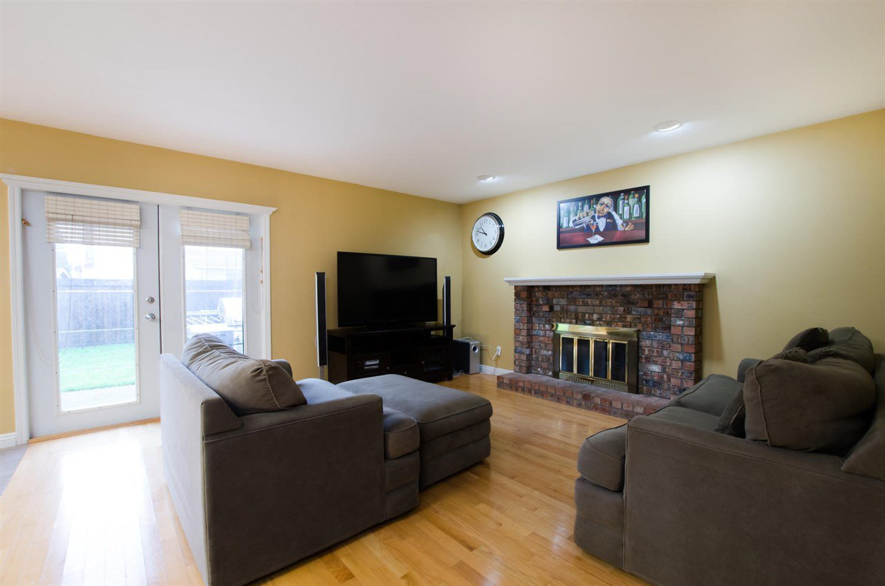Photo 11: Photos: 4465 62 Street in Delta: Holly House for sale (Ladner)  : MLS®# R2433138