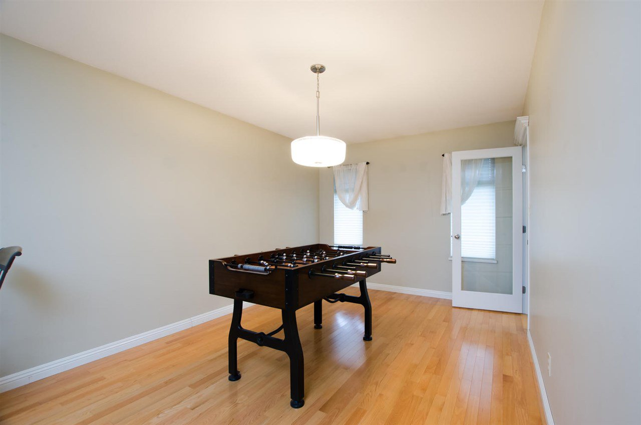 Photo 4: Photos: 4465 62 Street in Delta: Holly House for sale (Ladner)  : MLS®# R2433138
