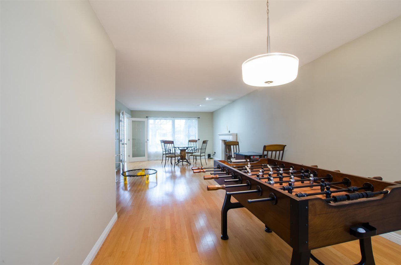 Photo 5: Photos: 4465 62 Street in Delta: Holly House for sale (Ladner)  : MLS®# R2433138