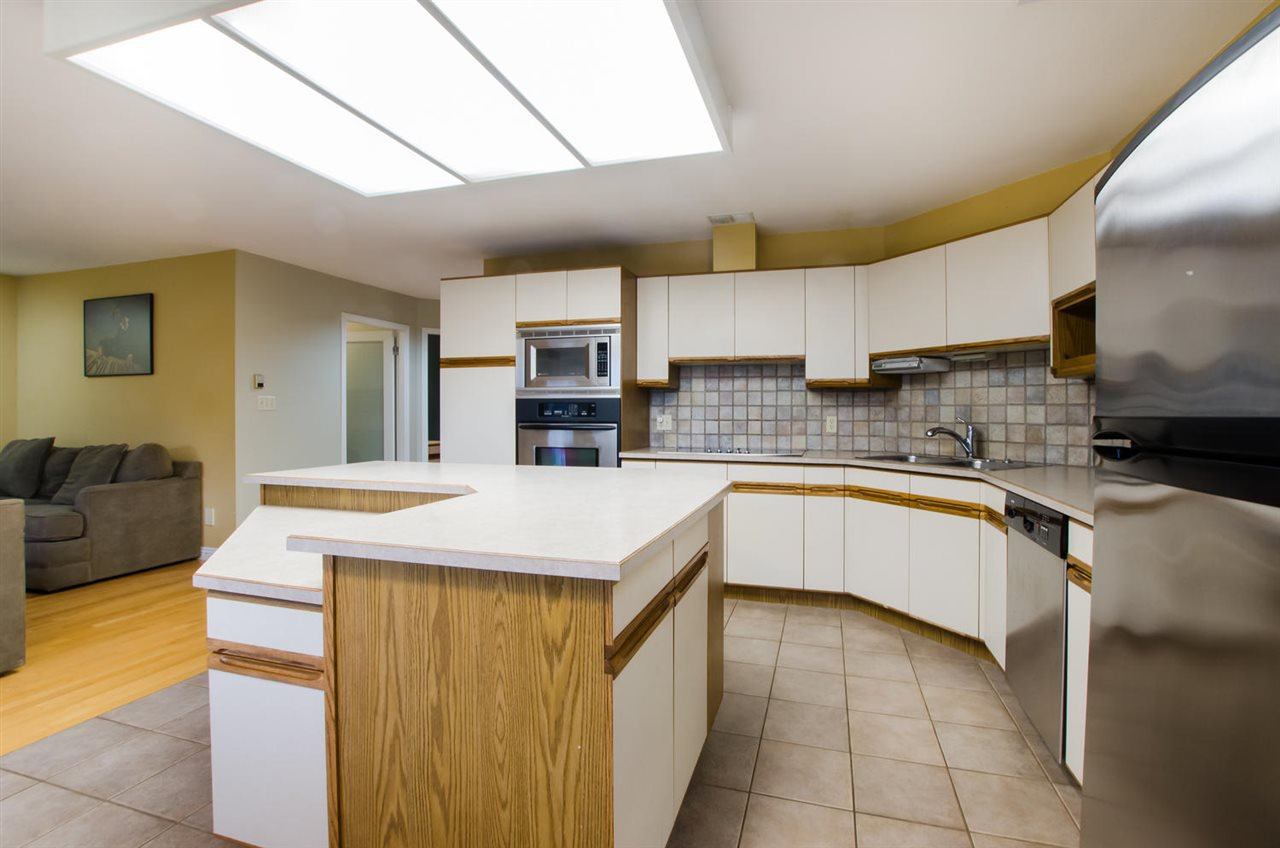 Photo 7: Photos: 4465 62 Street in Delta: Holly House for sale (Ladner)  : MLS®# R2433138