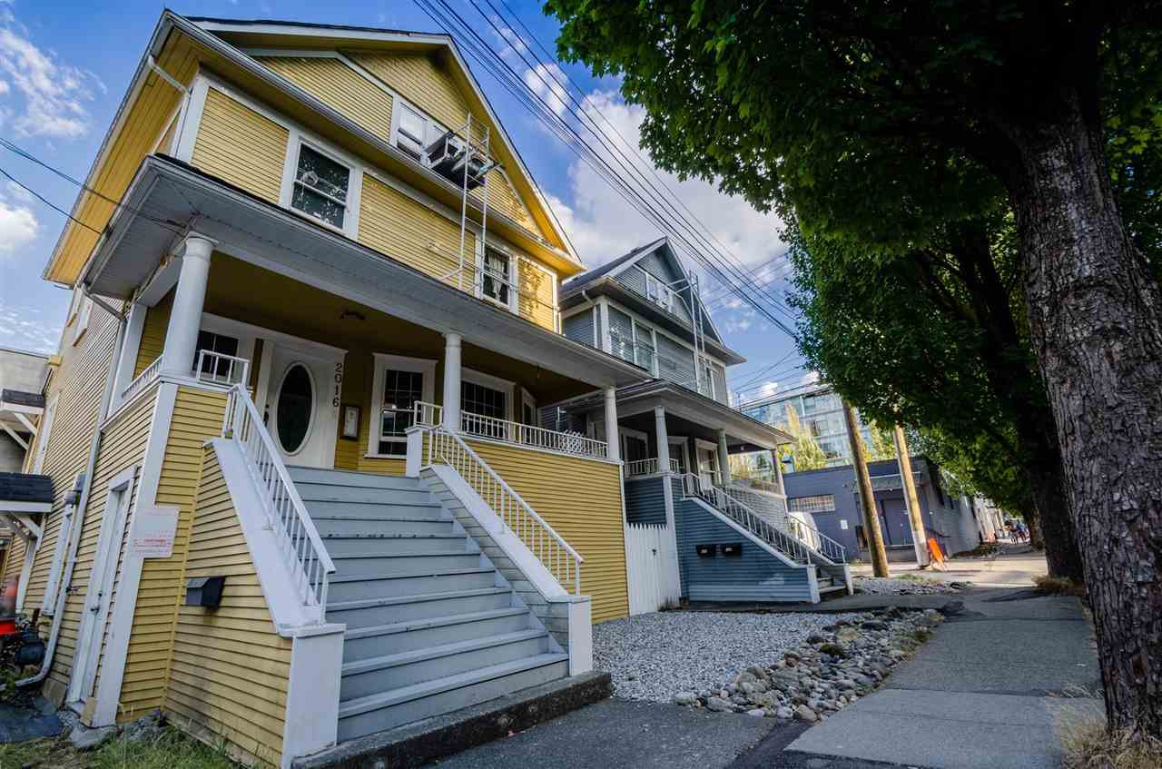 Main Photo: 2016 ONTARIO Street in Vancouver: Mount Pleasant VE House for sale (Vancouver East)  : MLS®# R2487097