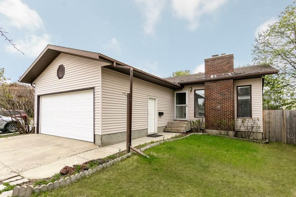 Main Photo: 7 GLENFOREST Crescent: Stony Plain House for sale : MLS®# E4211882