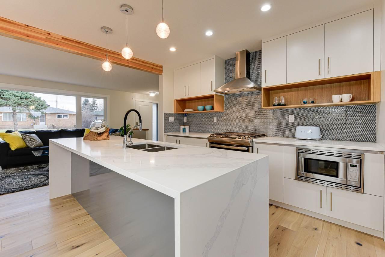 Main Photo: 10631 76 Street in Edmonton: Zone 19 House for sale : MLS®# E4178970