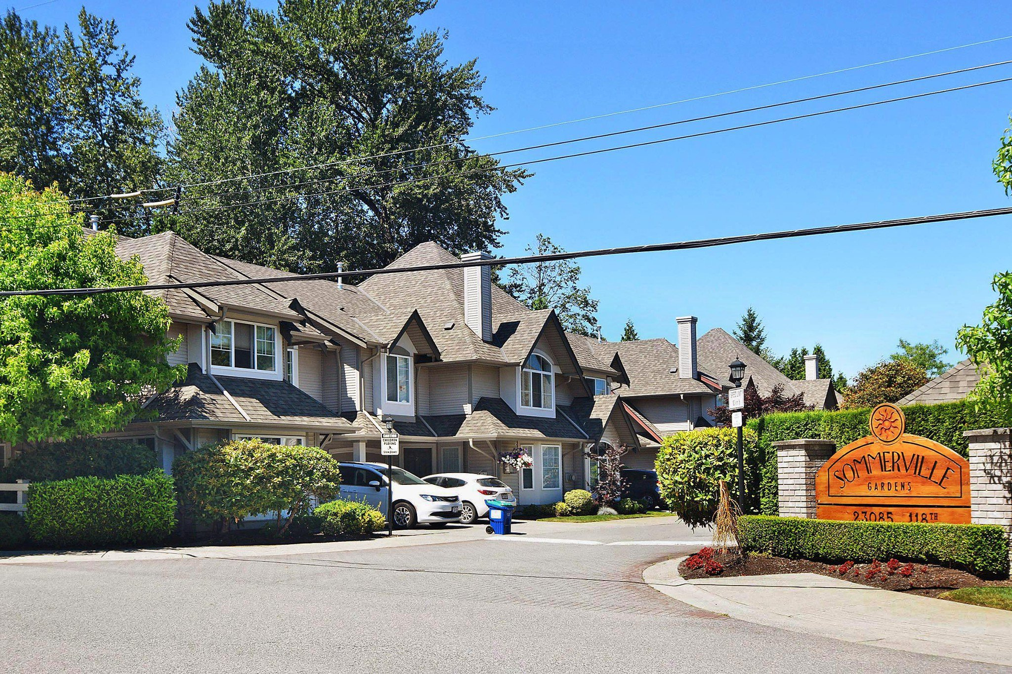 "Main Photo: 28 23085 118 Avenue in Maple Ridge: East Central Townhouse for sale in ""Sommerville"" : MLS®# R2480989"