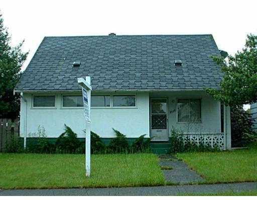 Main Photo: 2450 BONNYVALE AV in Vancouver: Fraserview VE House for sale (Vancouver East)  : MLS®# V541874