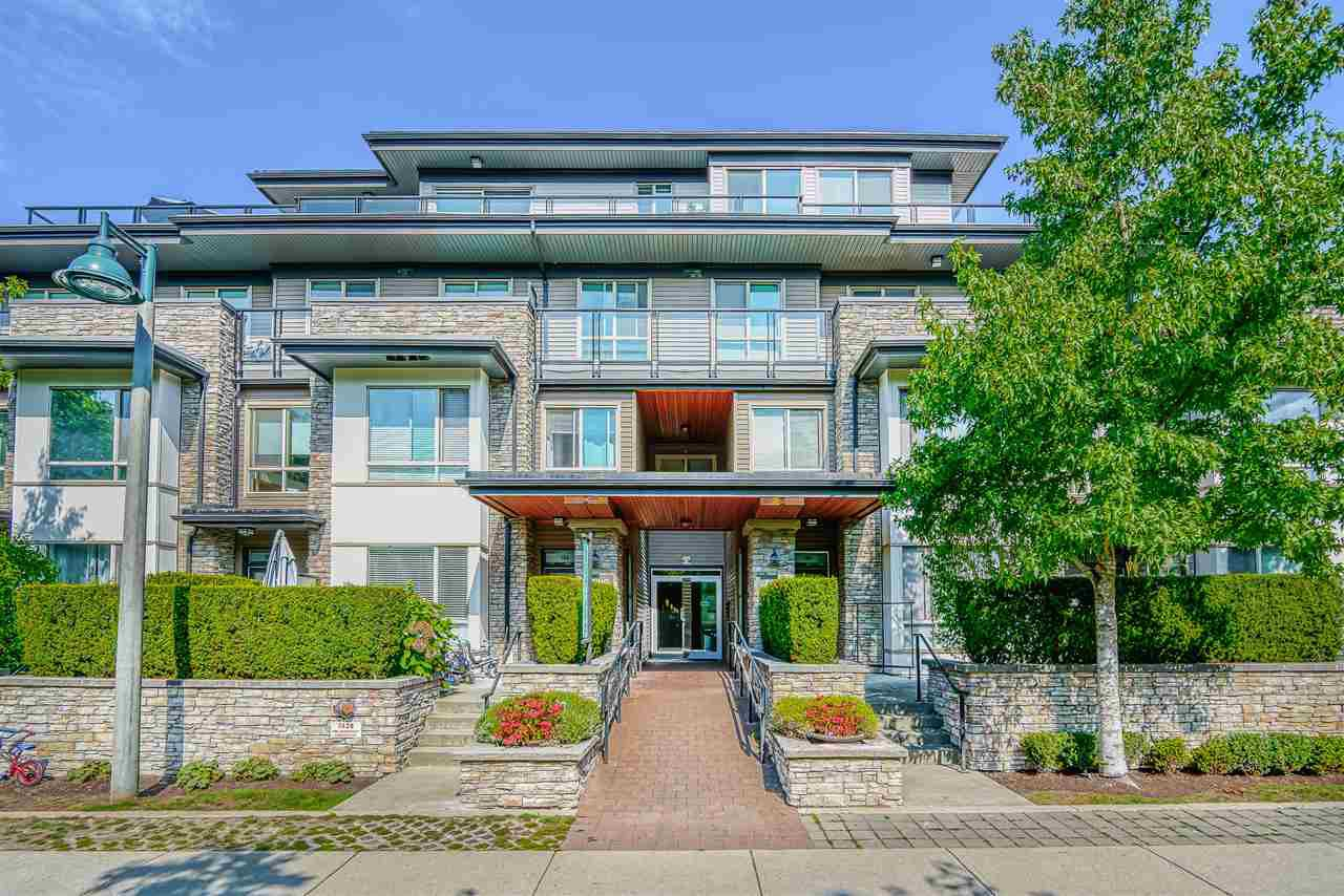"""Main Photo: 603 7428 BYRNEPARK Walk in Burnaby: South Slope Condo for sale in """"GREEN"""" (Burnaby South)  : MLS®# R2401556"""