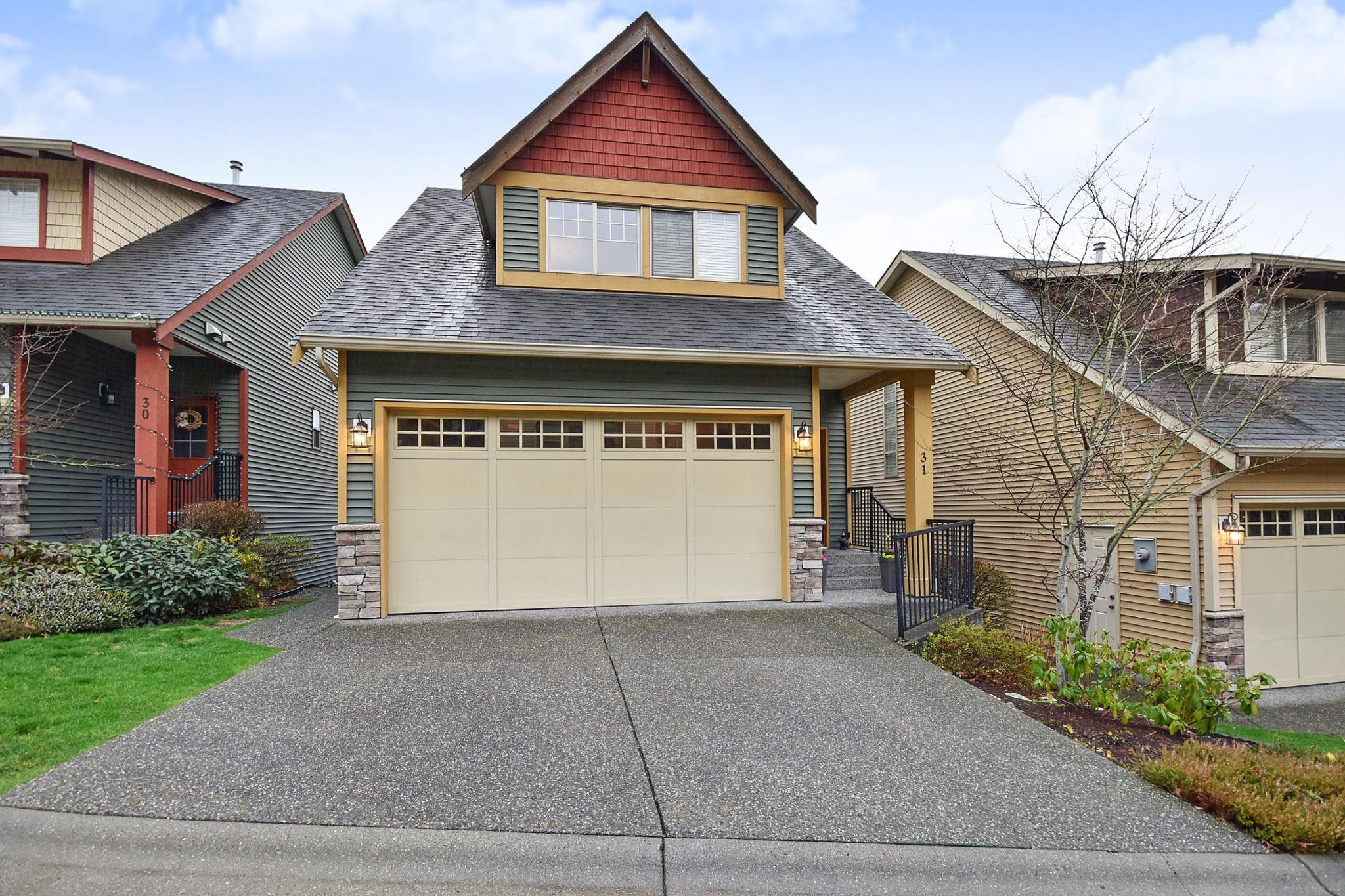 """Main Photo: 31 36169 LOWER SUMAS MTN Road in Abbotsford: Abbotsford East Townhouse for sale in """"Junction Creek"""" : MLS®# R2426451"""