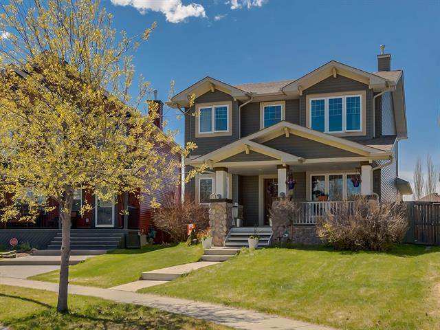 Main Photo: 333 PRESTWICK ESTATE Way SE in Calgary: McKenzie Towne Detached for sale : MLS®# C4296711