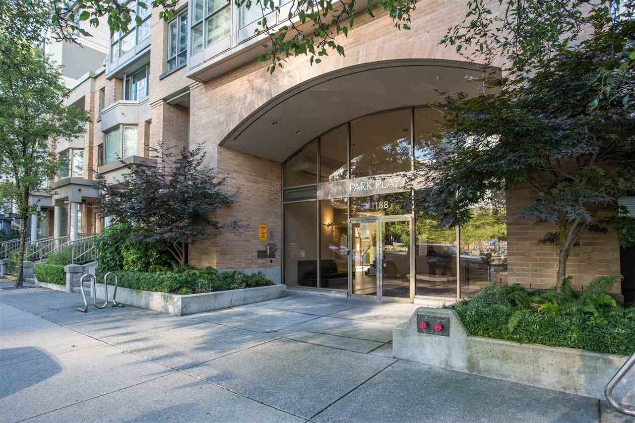 Main Photo: 1710 1188 RICHARDS Street in Vancouver: Yaletown Condo for sale (Vancouver West)  : MLS®# R2498878