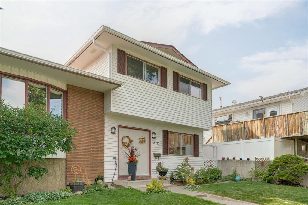Main Photo: 5715 NORTH HAVEN Drive NW in Calgary: North Haven Upper Detached for sale : MLS®# A1032107
