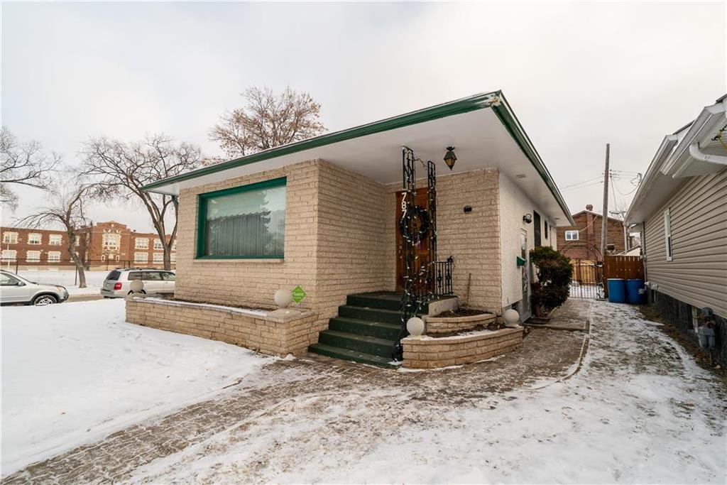 Main Photo: 787 BANNING Street in Winnipeg: Sargent Park Residential for sale (5C)  : MLS®# 202029183