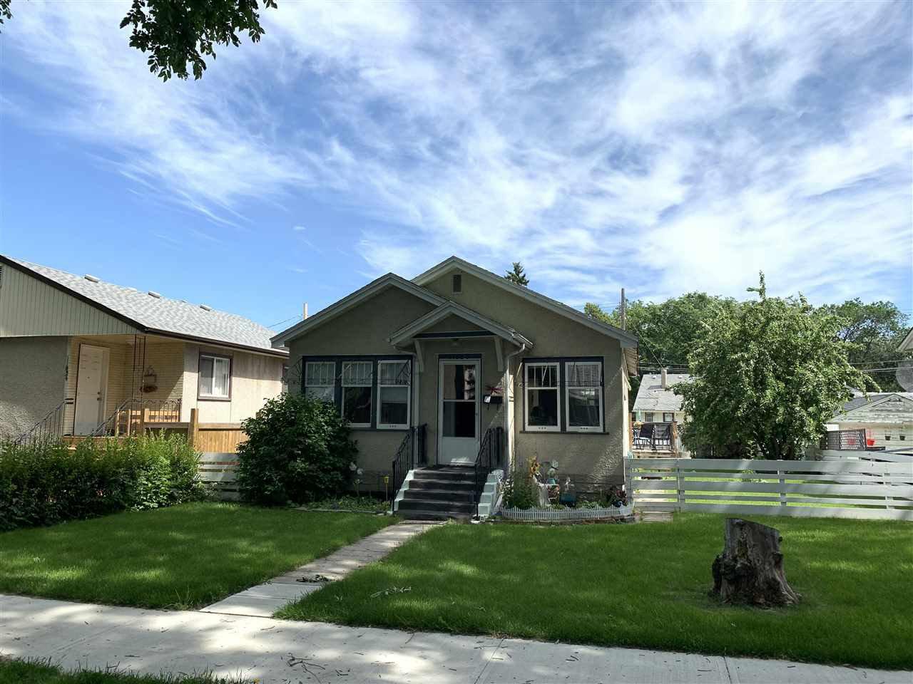 Main Photo: 11825 61 Street in Edmonton: Zone 06 House for sale : MLS®# E4166718