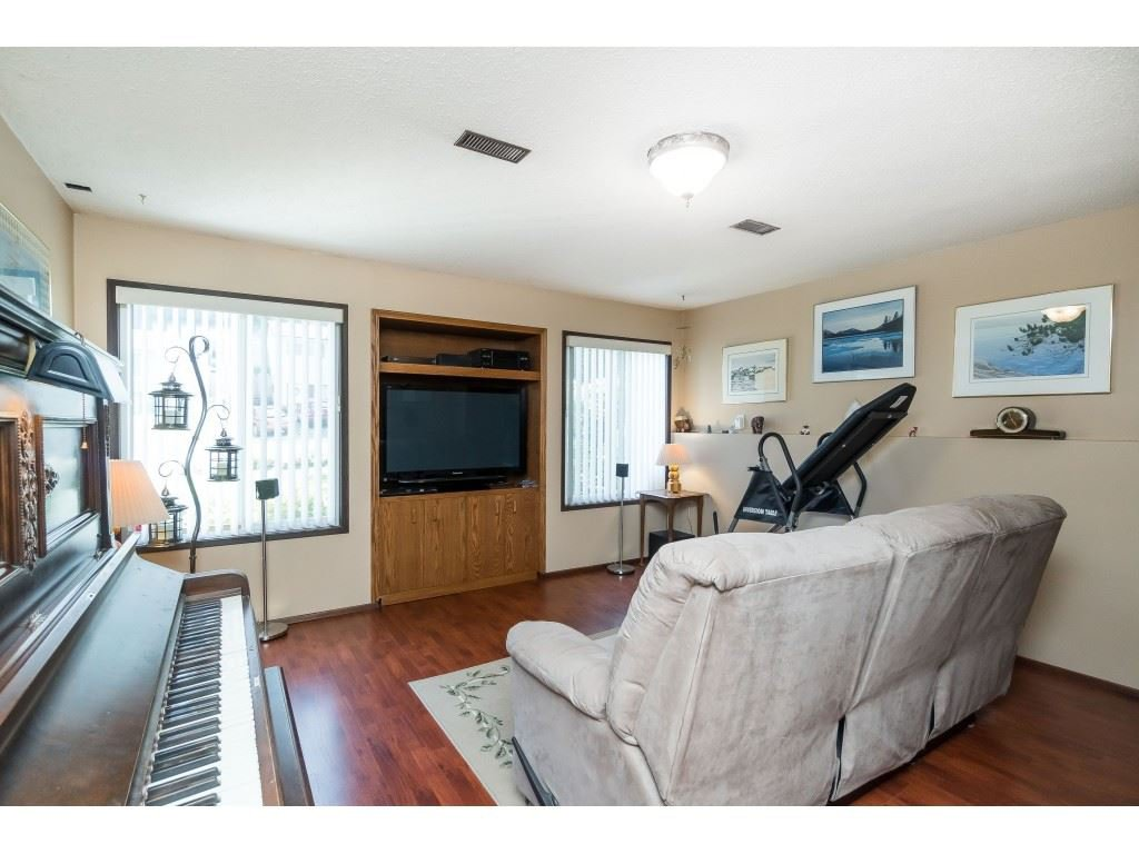 Photo 15: Photos: 3533 MONASHEE Street in Abbotsford: Abbotsford East House for sale : MLS®# R2394040