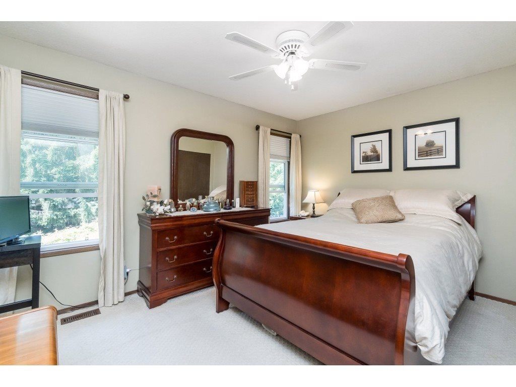 Photo 11: Photos: 3533 MONASHEE Street in Abbotsford: Abbotsford East House for sale : MLS®# R2394040