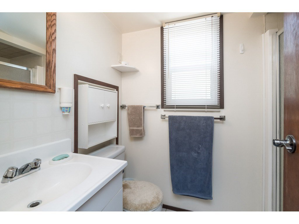 Photo 14: Photos: 3533 MONASHEE Street in Abbotsford: Abbotsford East House for sale : MLS®# R2394040