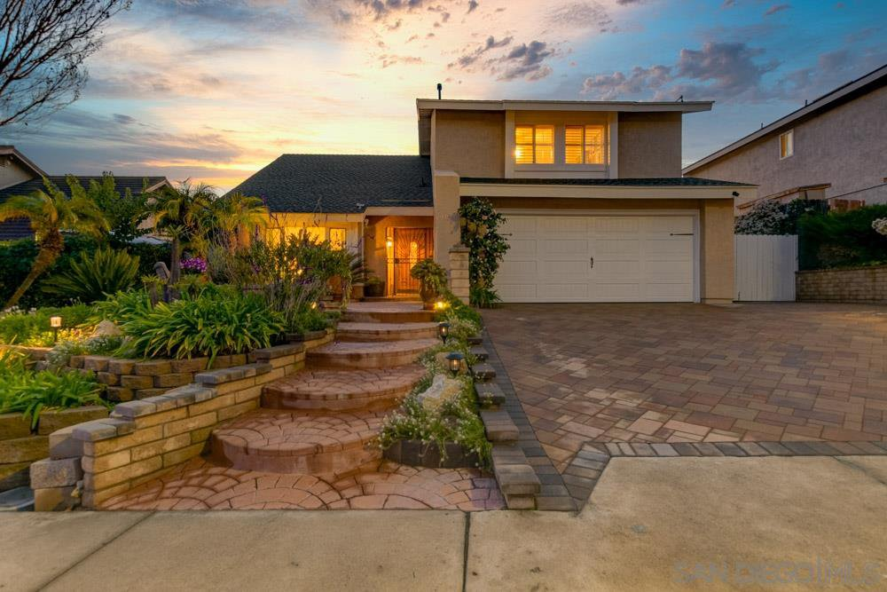 Main Photo: CHULA VISTA House for sale : 5 bedrooms : 1022 Arroyo Dr