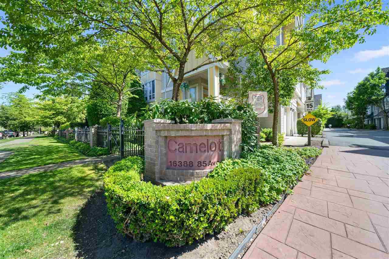 Main Photo: 4 16388 85 Avenue in Surrey: Fleetwood Tynehead Townhouse for sale : MLS®# R2479173