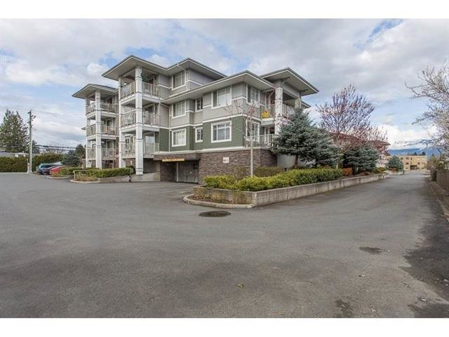 "Main Photo: 310 46262 FIRST Avenue in Chilliwack: Chilliwack E Young-Yale Condo for sale in ""THE SUMMIT"" : MLS®# R2499093"