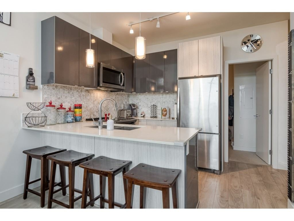 """Main Photo: 407 6438 195A Street in Surrey: Clayton Condo for sale in """"YALE BLOC"""" (Cloverdale)  : MLS®# R2463113"""