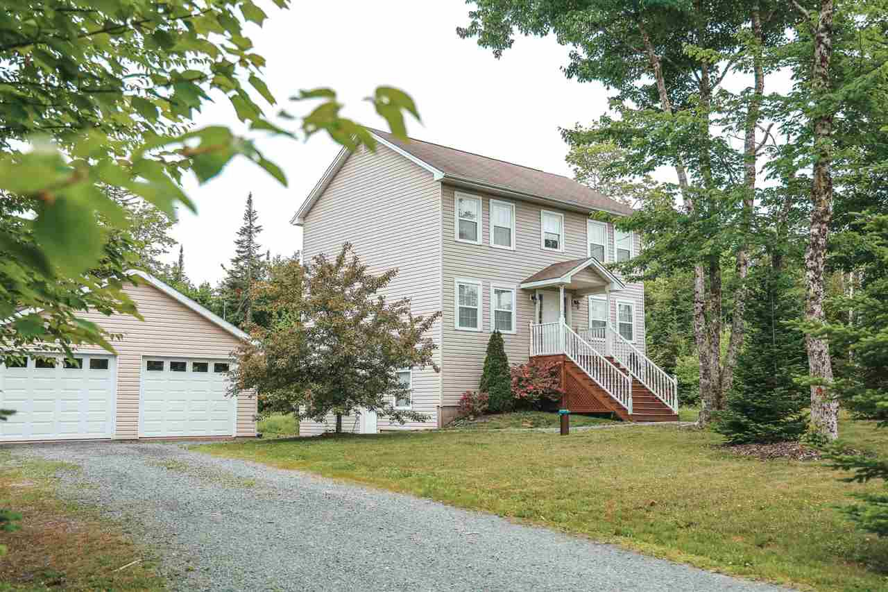 Main Photo: 100 Rockcrest Drive in Hammonds Plains: 21-Kingswood, Haliburton Hills, Hammonds Pl. Residential for sale (Halifax-Dartmouth)  : MLS®# 202011335