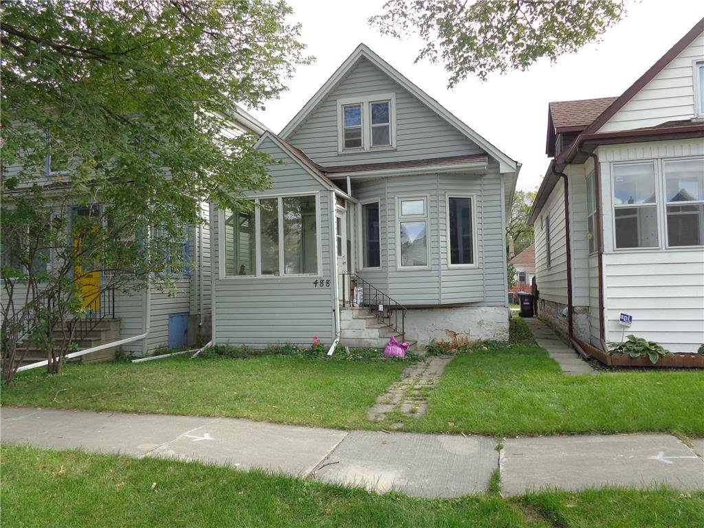 Main Photo: 488 Carlaw Avenue in Winnipeg: Lord Roberts Residential for sale (1Aw)  : MLS®# 202022679