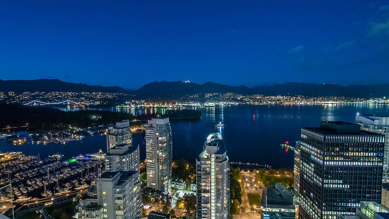 """Main Photo: 4301 1189 MELVILLE Street in Vancouver: Coal Harbour Condo for sale in """"The Melville"""" (Vancouver West)  : MLS®# R2512418"""