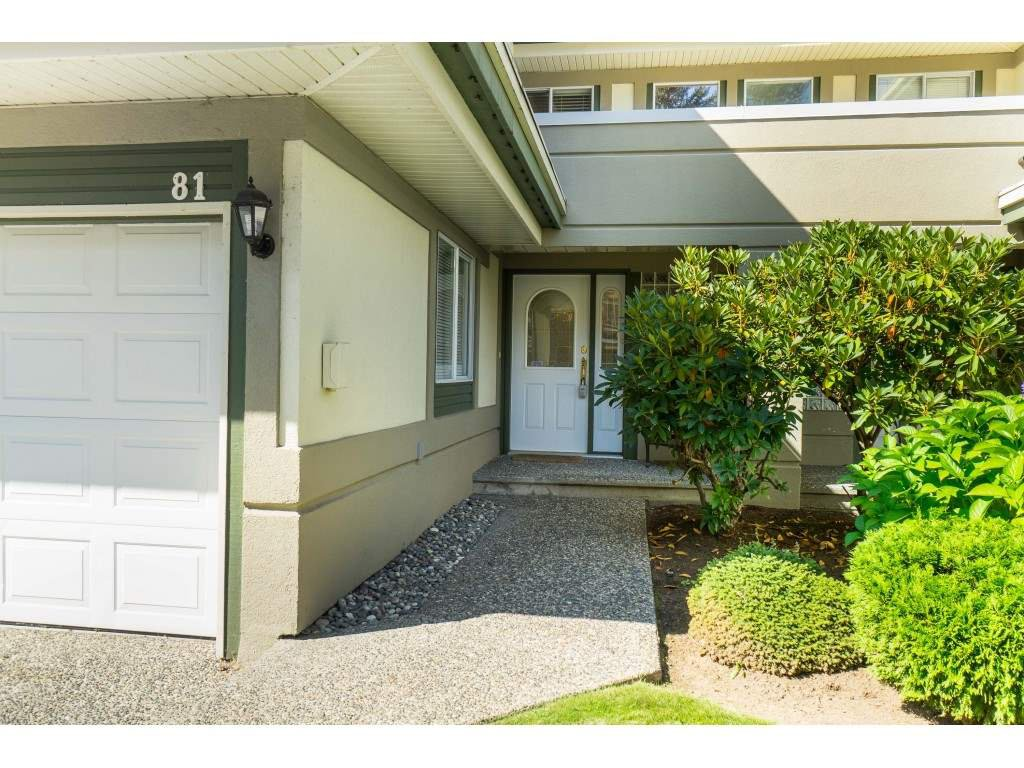 "Photo 2: Photos: 81 4001 OLD CLAYBURN Road in Abbotsford: Abbotsford East Townhouse for sale in ""Cedar Springs"" : MLS®# R2402434"