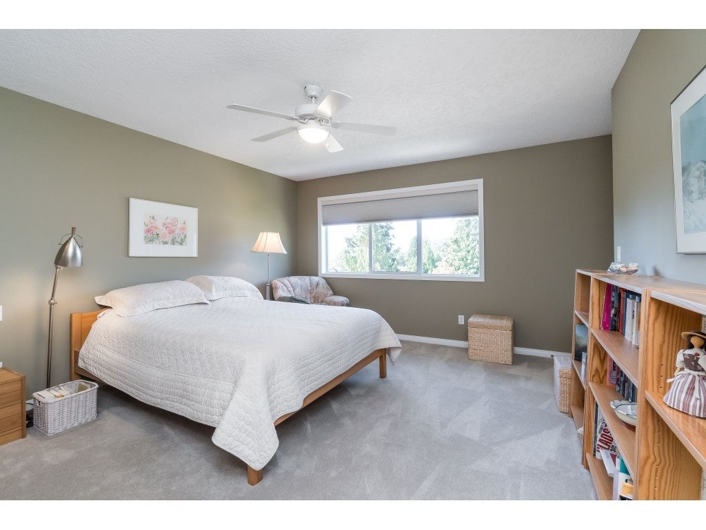 "Photo 12: Photos: 81 4001 OLD CLAYBURN Road in Abbotsford: Abbotsford East Townhouse for sale in ""Cedar Springs"" : MLS®# R2402434"