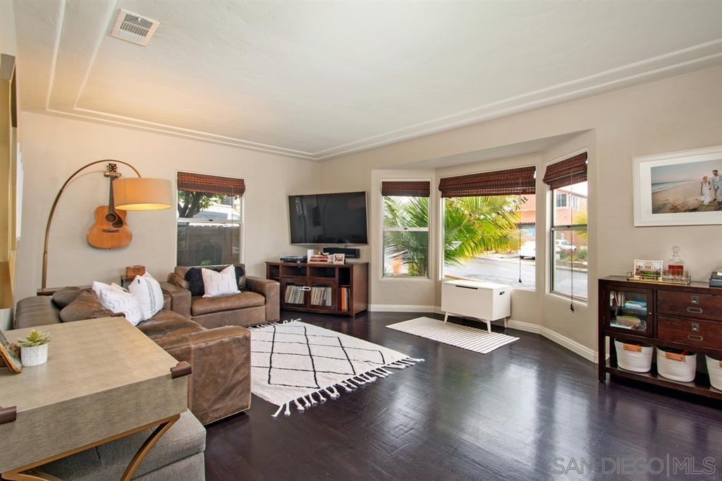 Main Photo: POINT LOMA House for sale : 2 bedrooms : 3205 Garrison St in San Diego