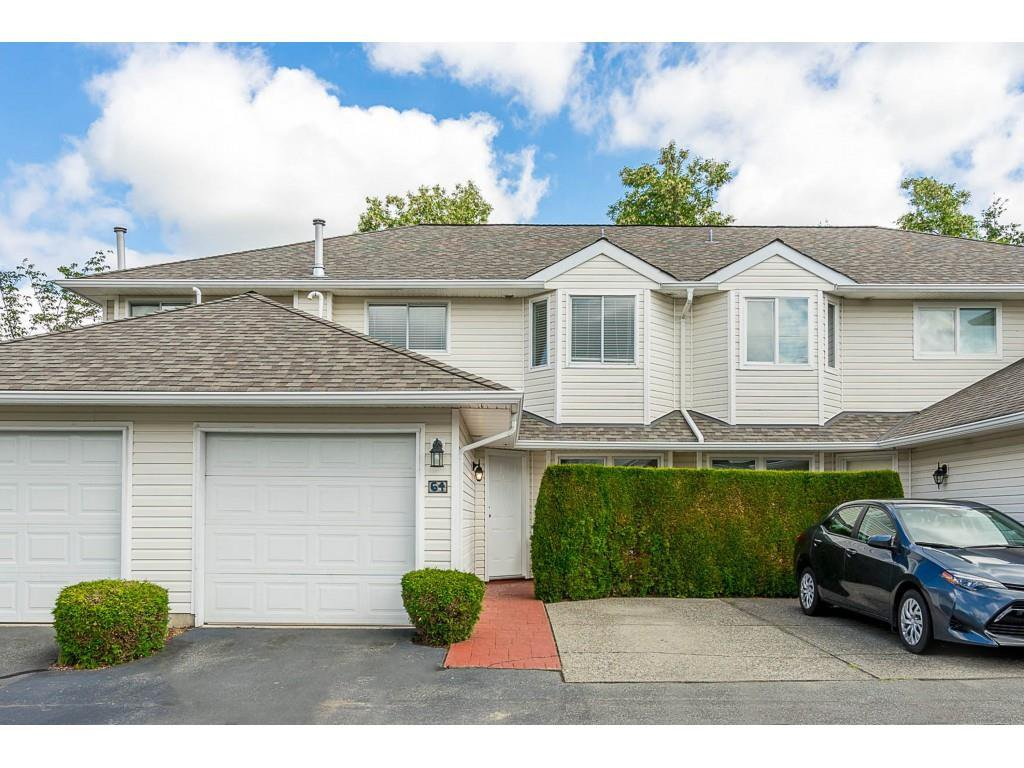 "Main Photo: 64 21928 48 AVE Avenue in Langley: Murrayville Townhouse for sale in ""Murrayville Glen"" : MLS®# R2460485"
