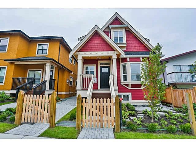 Main Photo: 1168 E KING EDWARD Avenue in Vancouver: Knight Townhouse for sale (Vancouver East)  : MLS®# R2406947