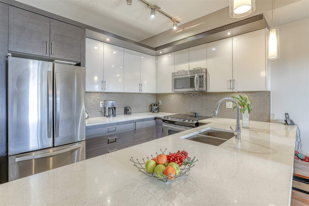 "Photo 8: Photos: 304 2349 WELCHER Avenue in Port Coquitlam: Central Pt Coquitlam Condo for sale in ""ALTURA"" : MLS®# R2435441"