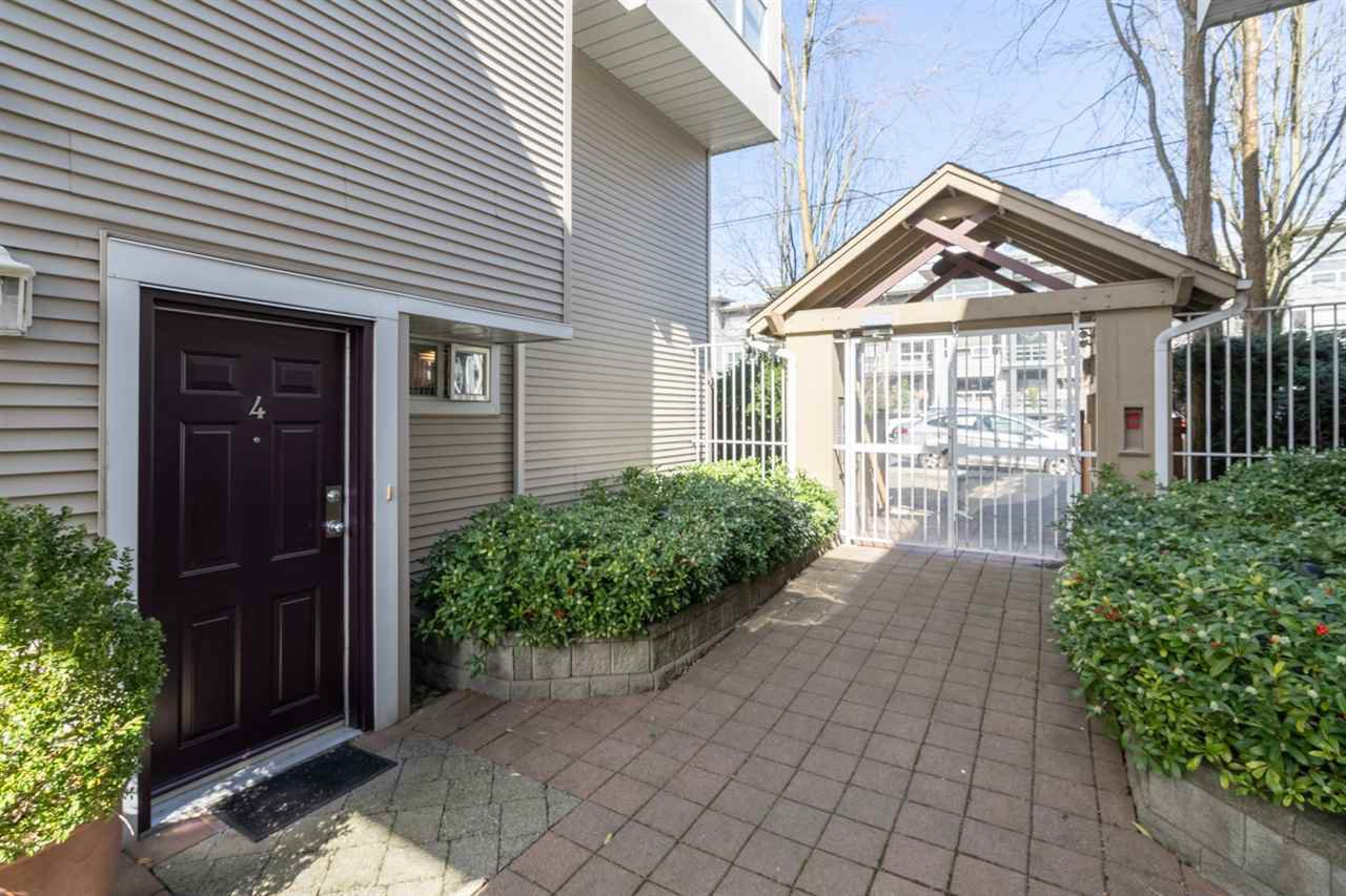 "Main Photo: 4 3150 W 4TH Avenue in Vancouver: Kitsilano Condo for sale in ""Avanti"" (Vancouver West)  : MLS®# R2449257"