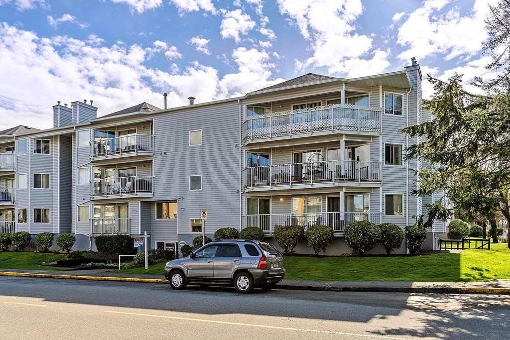 "Main Photo: 107 22222 119 Avenue in Maple Ridge: West Central Condo for sale in ""OXFORD MANOR"" : MLS®# R2470564"